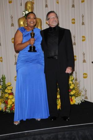 Mo'Nique and Robin Williams photo