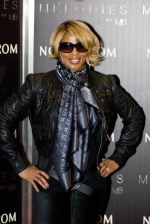 "Mary J. Blige Promotes ""Melodies by MJB"" Sunglasses Collection at Nordstrom"