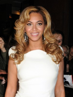 Beyonce Knowles hosts 2BHaPPY Jewelry Collection launch in NYC