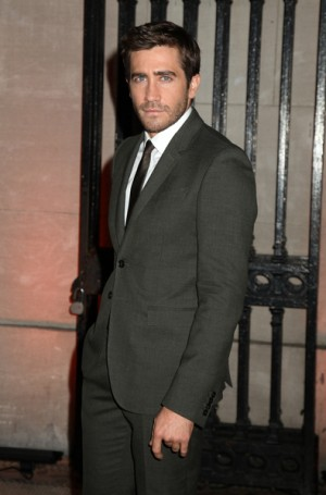 Jake Gyllenhaal stars in Love and Other Drugs and attends FINCA Gala