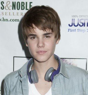 Justin Bieber signs First Step 2 Forever at NYC Barnes & Noble