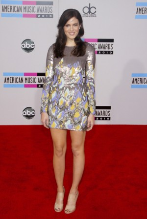 Mandy Moore at the 2010 AMA's