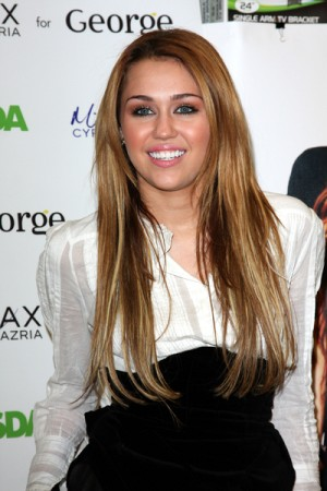 Miley Cyrus launches clothing line Miley and Max