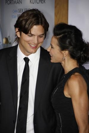 Ashton Kutcher and Demi Moore, No Strings Attached LA Premiere