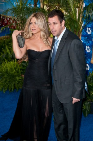 Adam Sandler and Jennifer Anniston in Just Go With It
