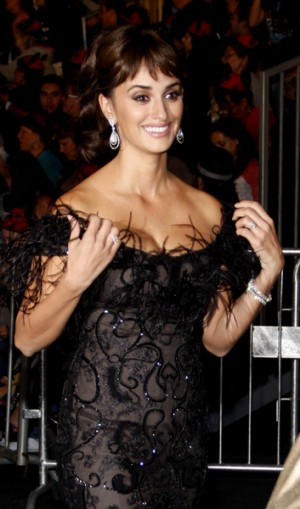 Penelope Cruz at World Premiere of Pirates of the Caribbean: On Stranger Tides