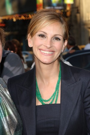 "Julia Roberts at LA Premiere ""Larry Crowne"""