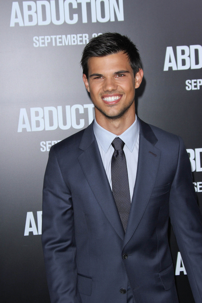 Taylor Lautner Stars in New Movie