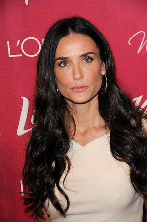 Demi Moore's Face For the Holidays