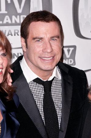 "De Niro & Travolta to Star in ""Killer"" Film"