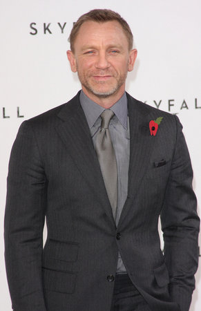 "Craig Begins Shooting ""Skyfall"""