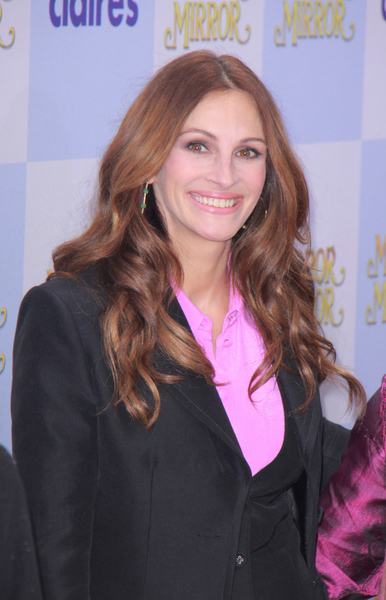 Julia Roberts Stars in New Fairytale