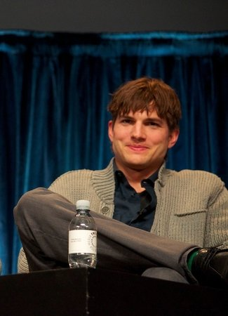 Ashton Kutcher Plans to Leave Earth