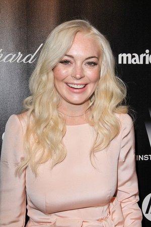 Lindsay Lohan Starts New Chapter