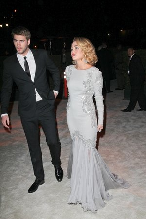 Miley Cyrus Gets Engaged!
