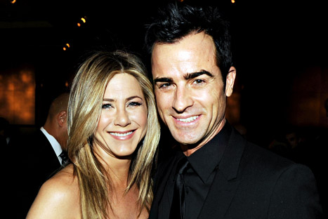 Jennifer Aniston Gets Engaged!