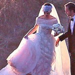 Anne Hathaway Ties the Knot