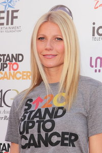 Gwyneth Paltrow New Face of Max Factor